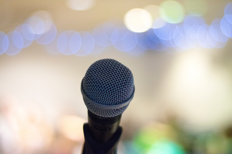Microphone - elliot-sloman-199291-unsplash