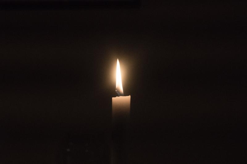 Candle jarl-schmidt-557318-unsplash
