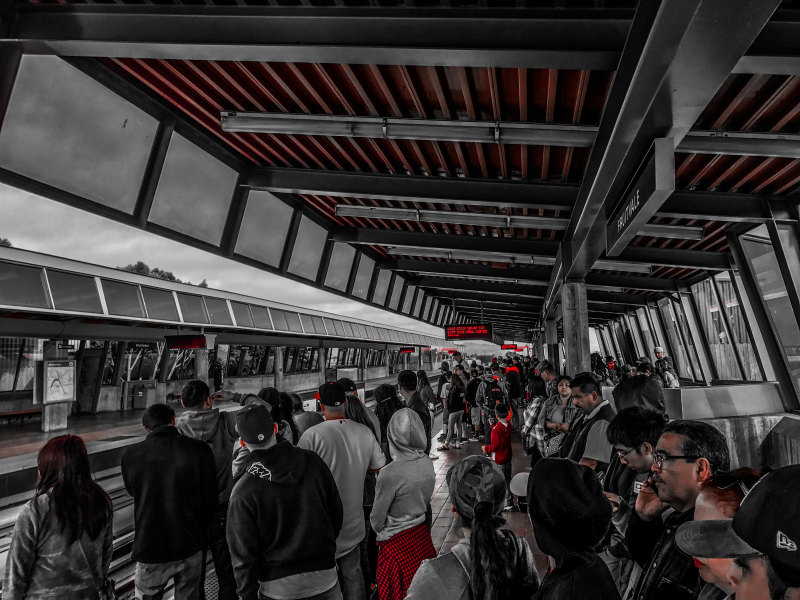 Train station waiting - alex-sorto-272651-unsplash