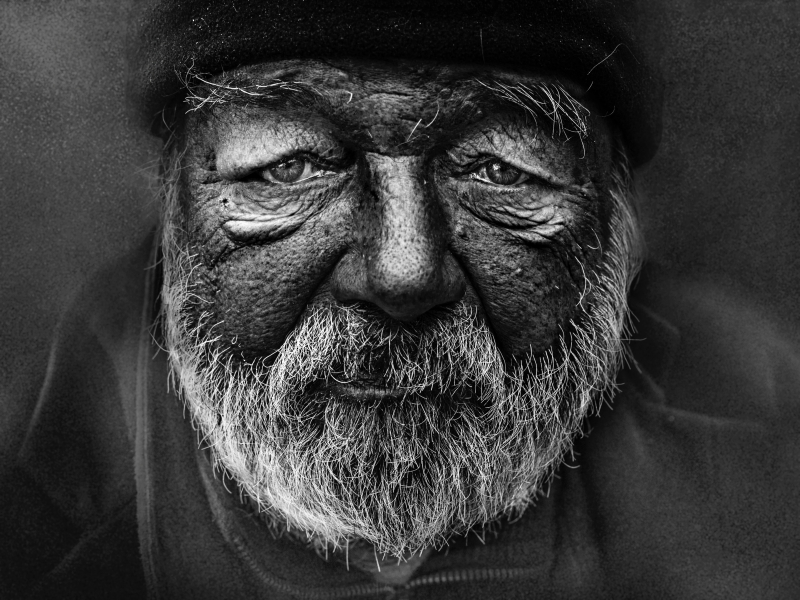 Homeless face ales-dusa-1137736-unsplash