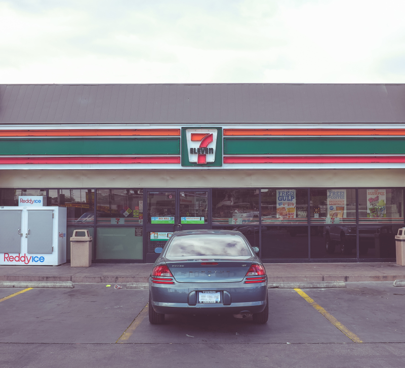 7-11 neonbrand-wYbtw9hoW18-unsplash