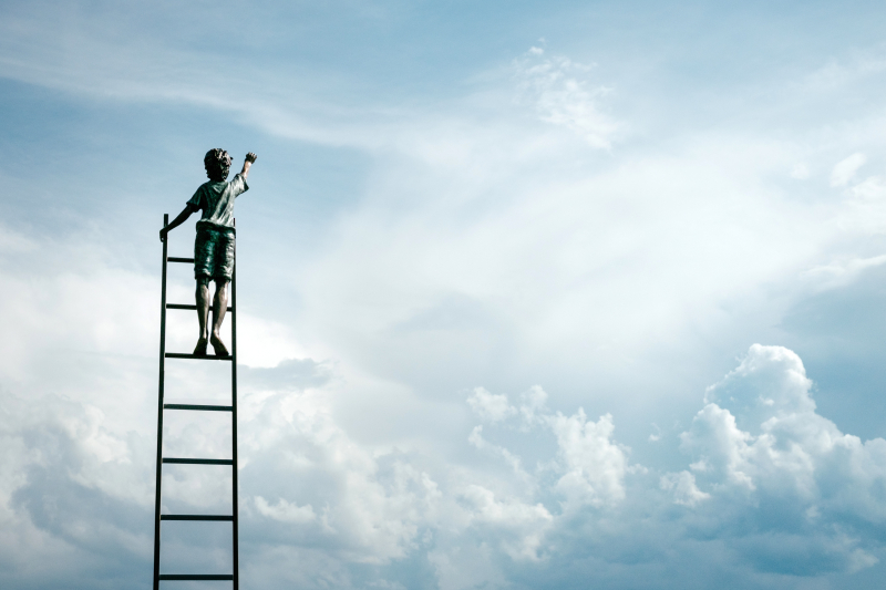 Ladder to sky - samuel-zeller-358865-unsplash