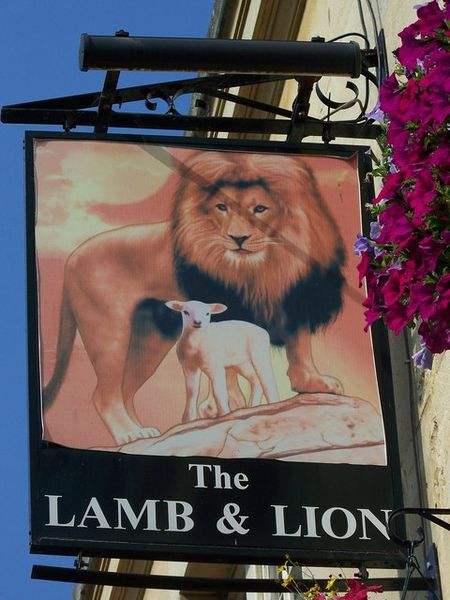 Lamb_and_Lion _Bath_-_geograph.org.uk_-_987958