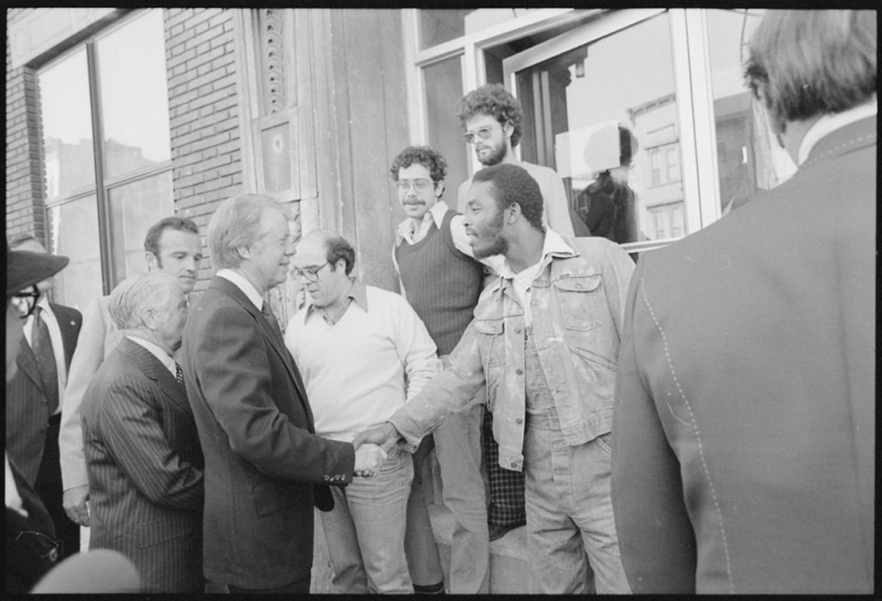 1024px-Jimmy_Carter_greets_residents_of_South_Bronx _New_York_-_NARA_-_176402